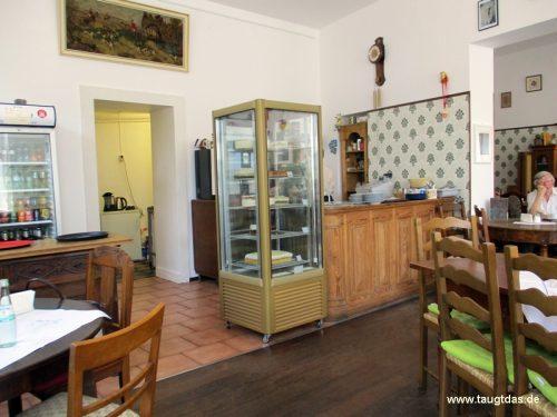 Thekenbereich cafe Sahnehäubchen