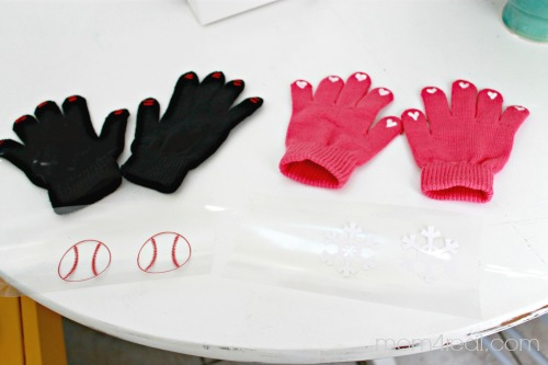 Make Your Own Texting Gloves with Snowflakes