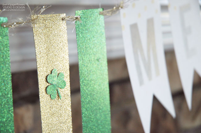 Green and gold glitter Kiss Me Banner