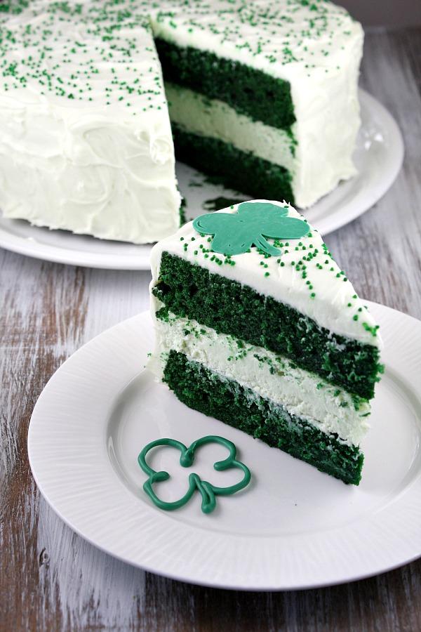 st patricks day green velvet cheesecake