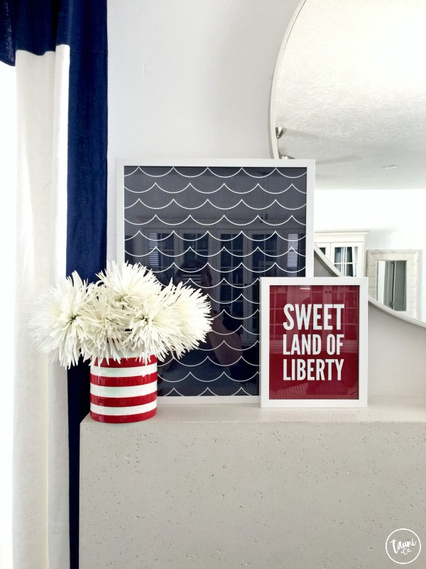 Fourth of July mantle + FREE patriotic print