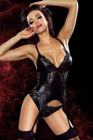 Elegantný luxusný model Carole