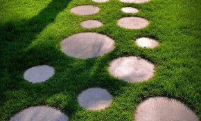 10 Landscaping Ideas For Using Stepping Stones In Your Garden with regard to Backyard Stepping Stone Ideas