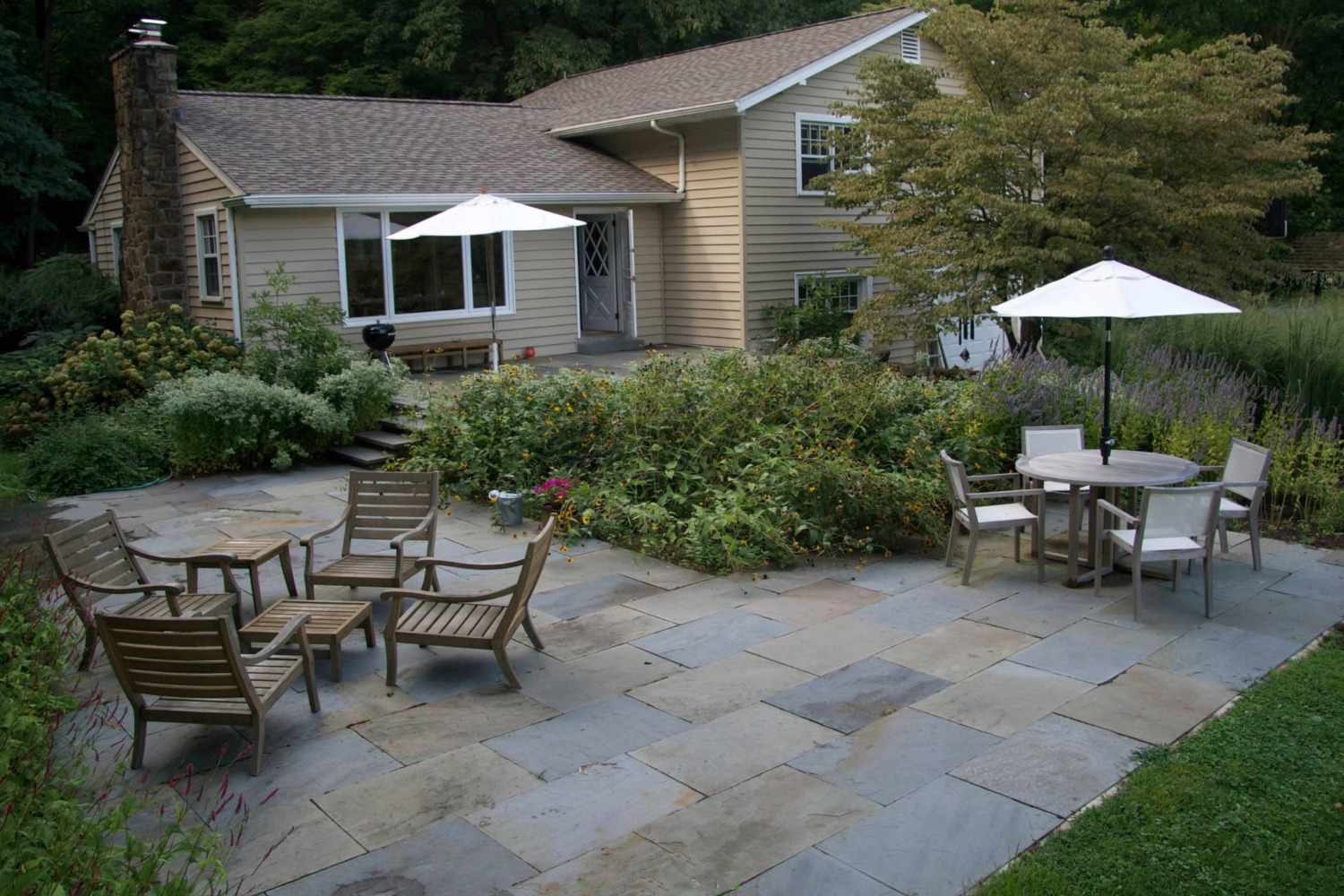 25 Great Patio Paver Design Ideas within 11 Some of the Coolest Initiatives of How to Craft Backyard Ideas With Pavers