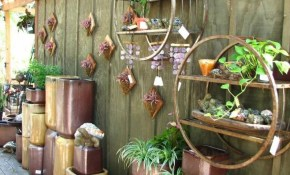 Backyard Wall Decorating Ideas Elitflat with Backyard Wall Decorating Ideas