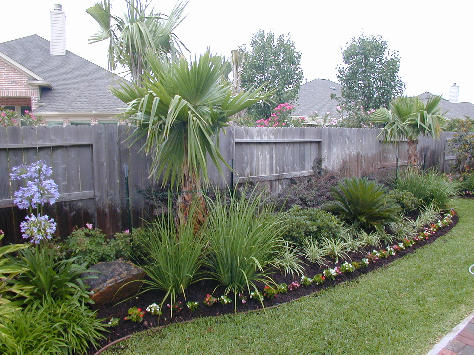 Landscaping Plans Free Easy Landscaping Plans With Images regarding 15 Smart Initiatives of How to Upgrade Backyard Landscaping Designs Free