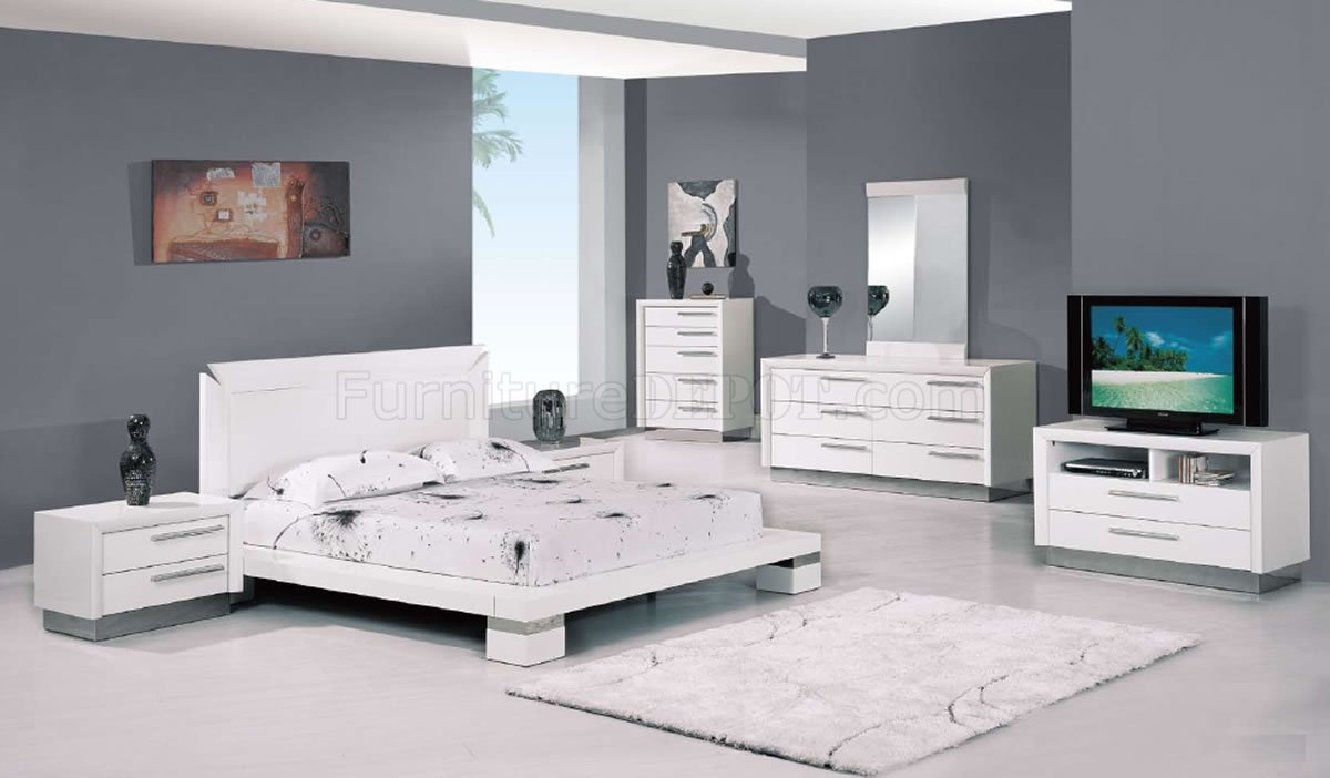 Make Your Bedroom Stylish And Comfortable With Modern White Bedroom with 11 Smart Initiatives of How to Upgrade White Modern Bedroom Sets