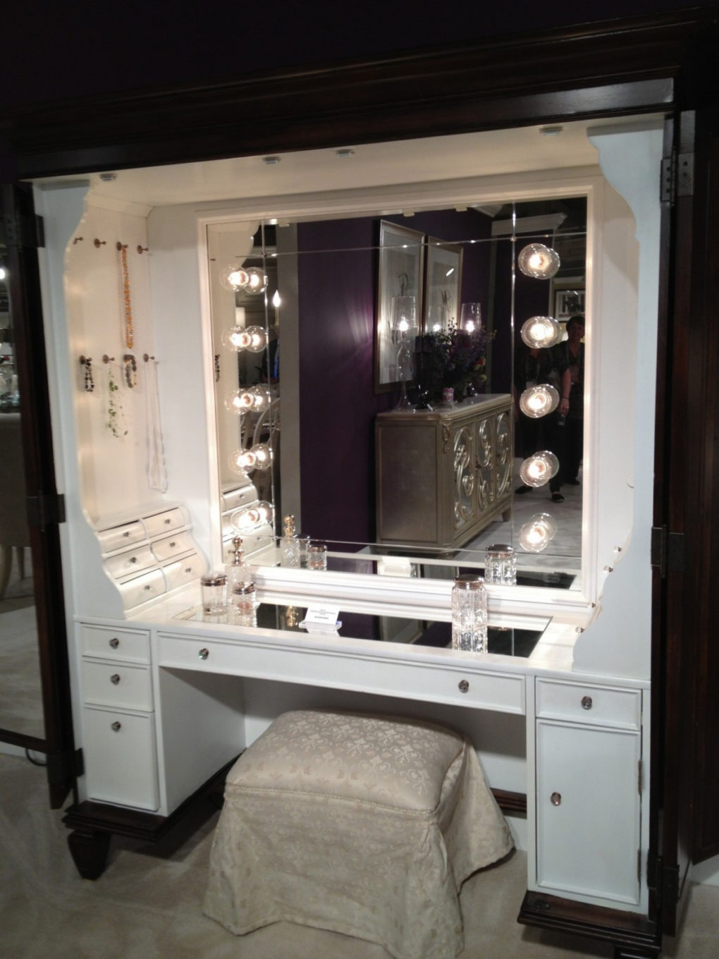 Mirror Top Modern Bedroom Vanity With Mirror Your House Design in 13 Some of the Coolest Tricks of How to Improve Bedroom Vanity Modern