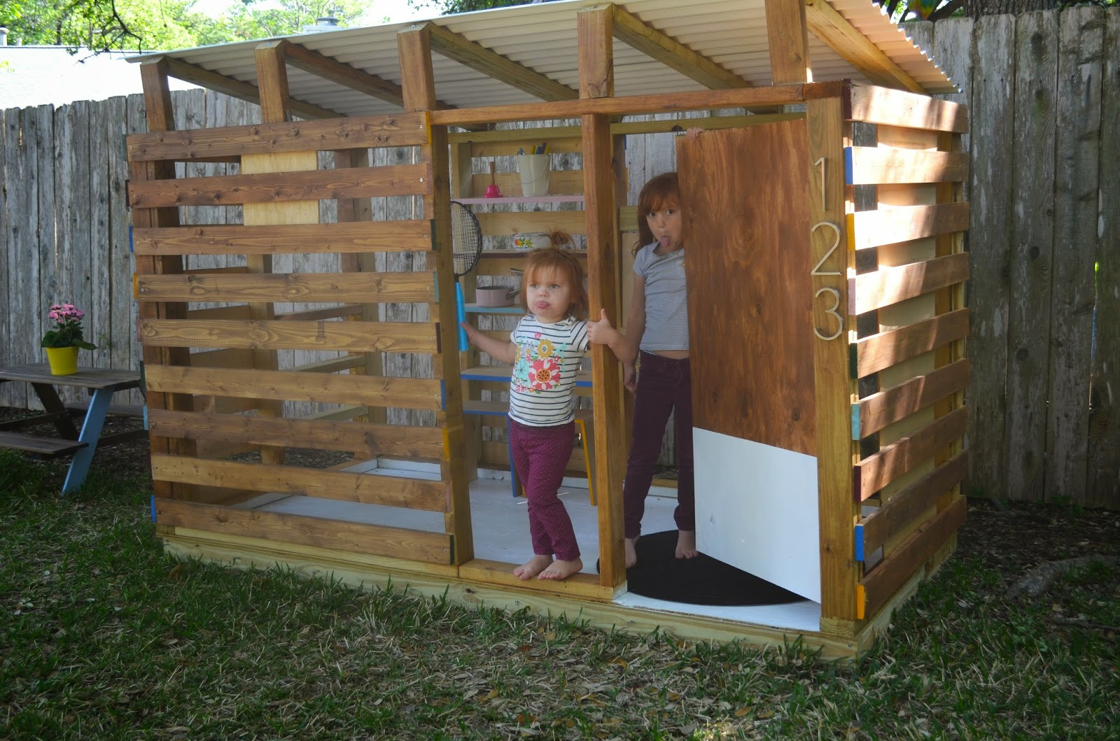 Modern Diy Outdoor Playhouse Tour And How To in 11 Awesome Ideas How to Craft Backyard Playhouse Ideas