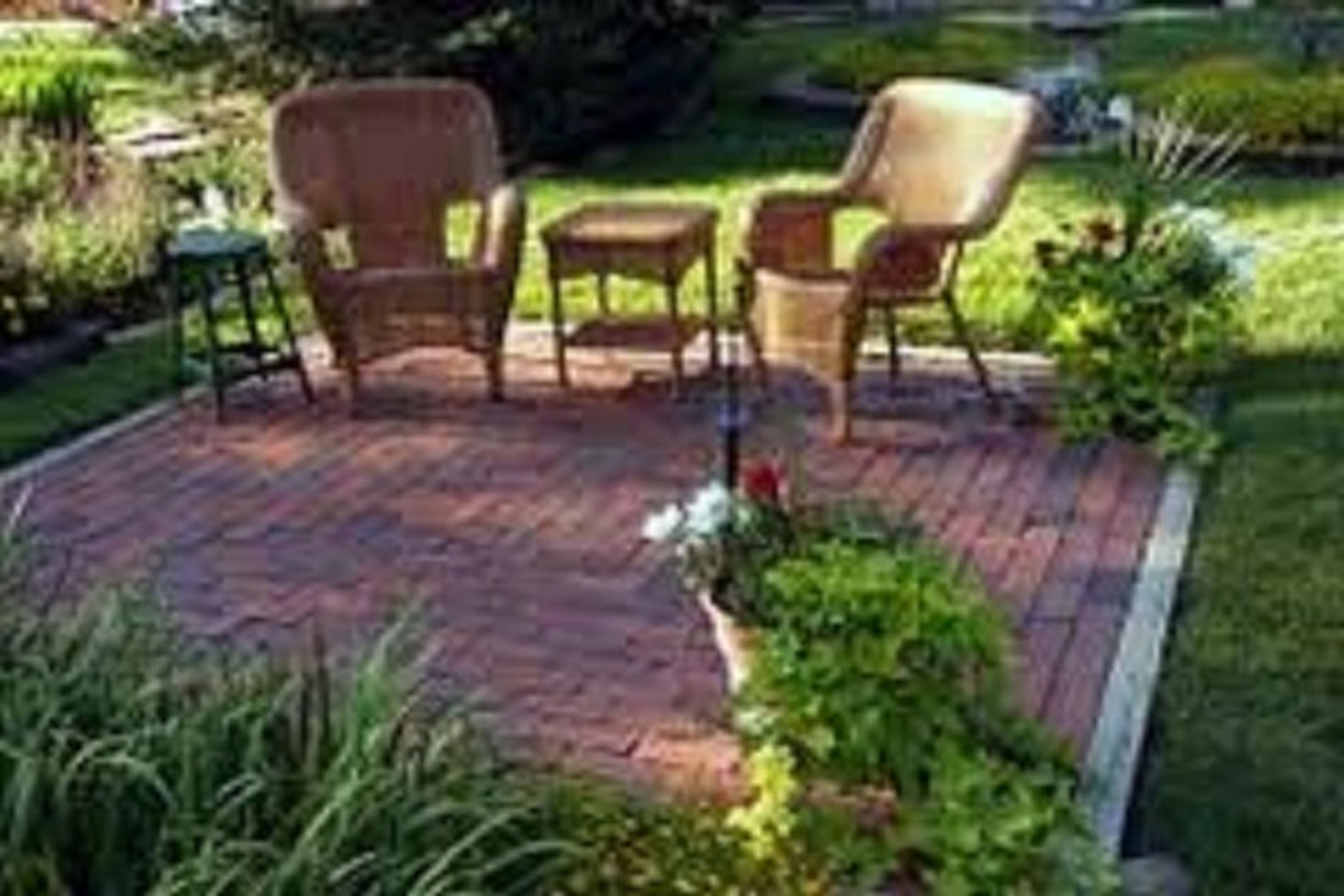 Small Backyard Design Ideas On A Budget Inexpensive Garden Ideas with regard to 13 Awesome Initiatives of How to Craft Landscape Designs For Small Backyards