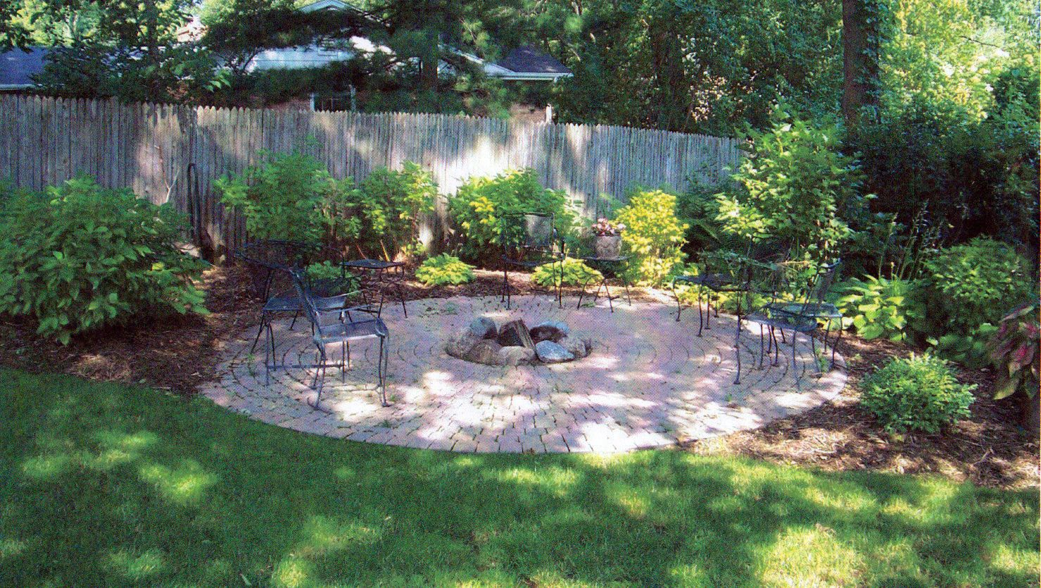 Small Florida Backyards Sidewalks And Landscaping In A with Florida Backyard Landscaping