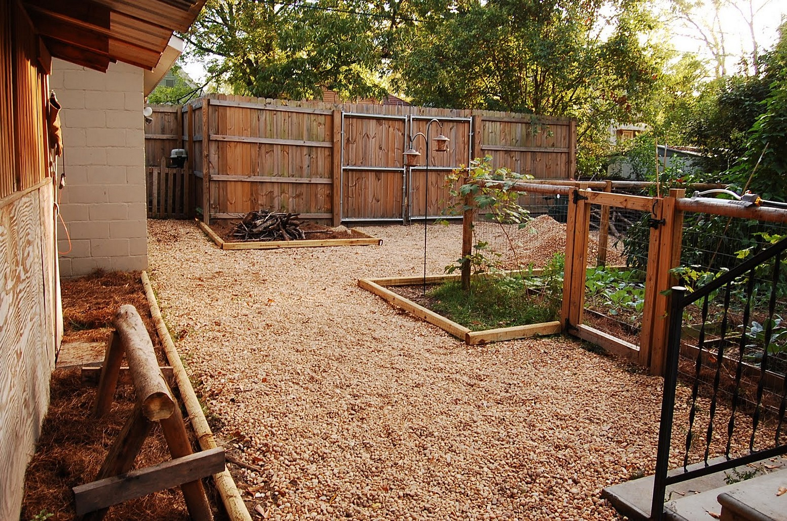 Backyard Fence Ideas Cheap All Home Decor Best Patio Backyard within 13 Some of the Coolest Ways How to Improve Small Backyard Ideas Cheap