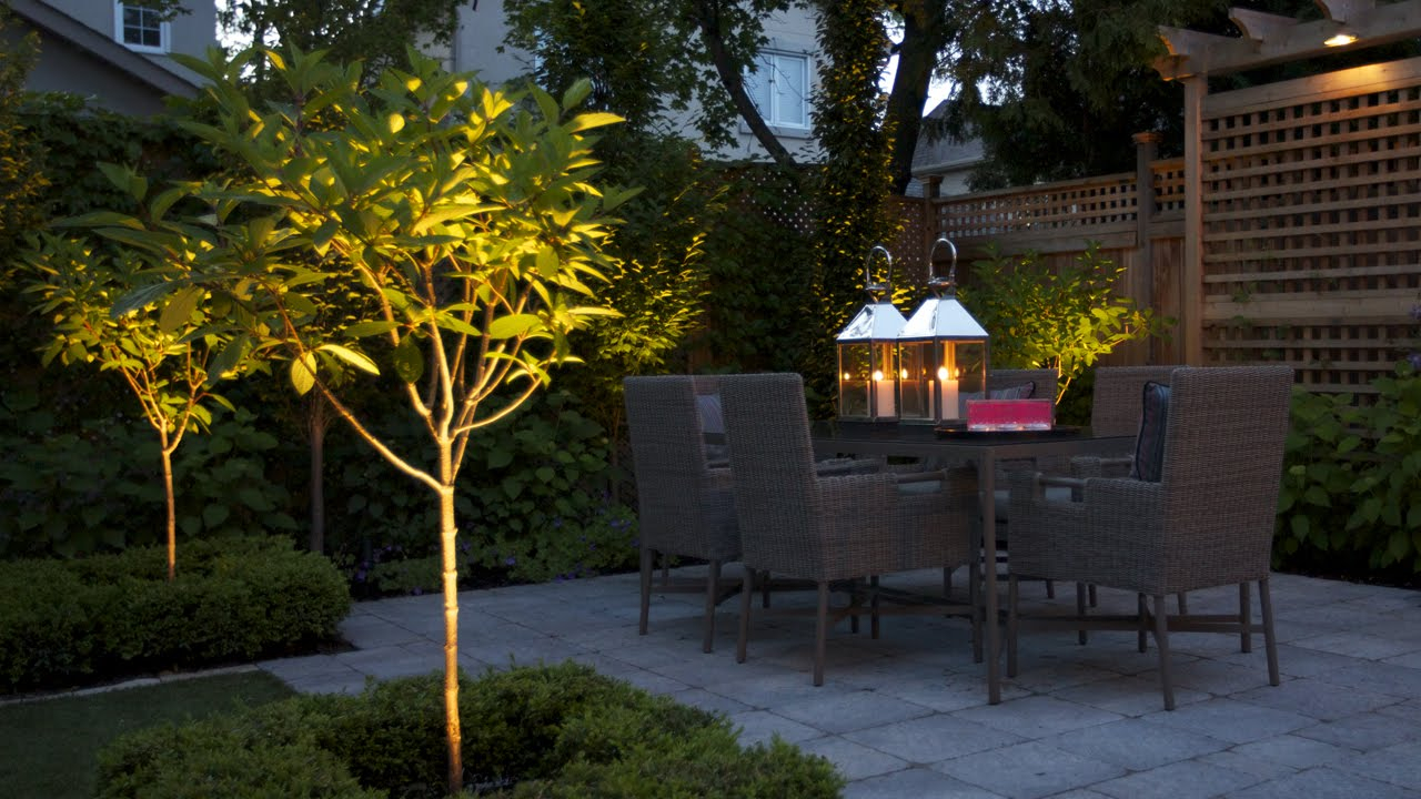 Exterior Design How To Turn A Small Backyard Into An Elegant Oasis for 15 Some of the Coolest Initiatives of How to Makeover How To Landscape A Small Backyard