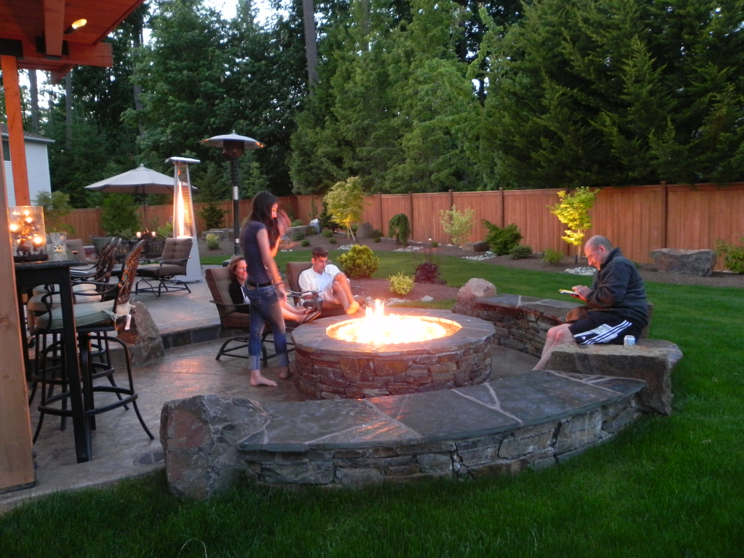 Outdoor Fire Pit Patio Design Simple Backyard Fire Pit Ideas with regard to 14 Awesome Ways How to Improve Backyard Fire Pits Ideas