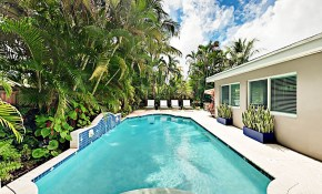 Chic South Florida Pool Home W Tropical Backyard Meticulous Decor in 12 Some of the Coolest Ideas How to Make Backyard Pool Decor