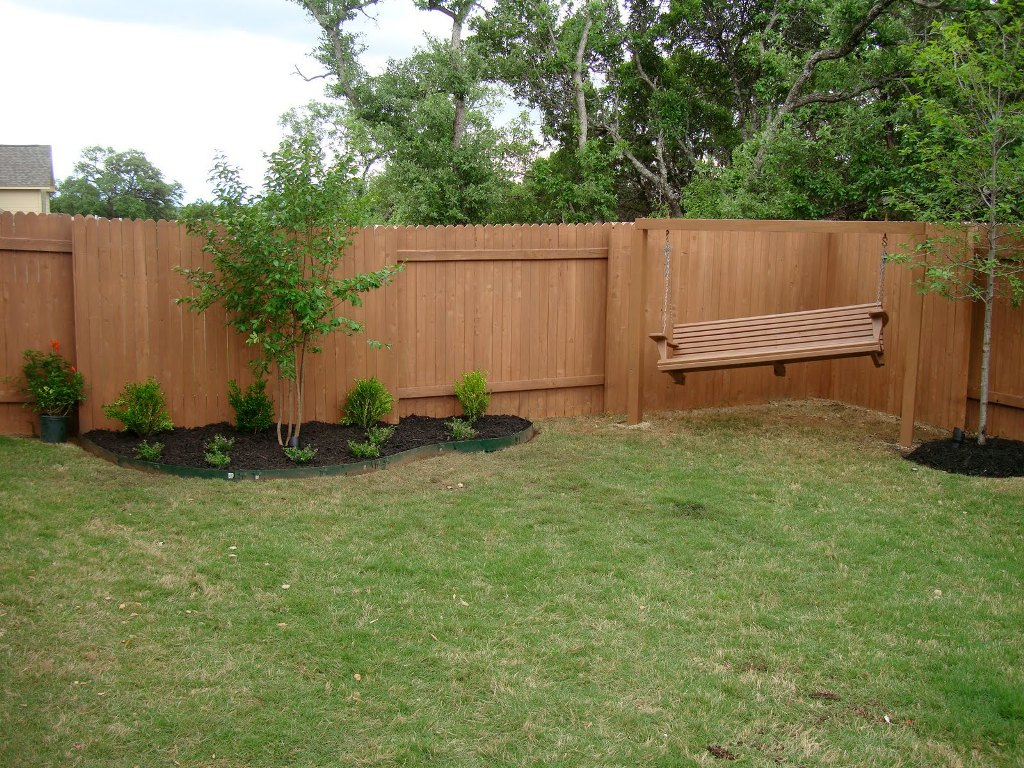 Different Style Of The Privacy Fence Designs Ducksdailyblog Fence in Cheap Backyard Fencing