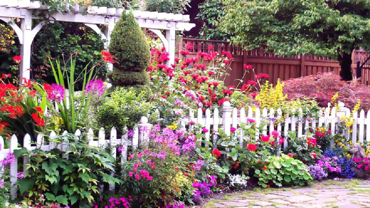 Dit Unique Backyard Gardening Ideas Unveiled Zola regarding 13 Genius Tricks of How to Upgrade Backyard Flower Garden Ideas