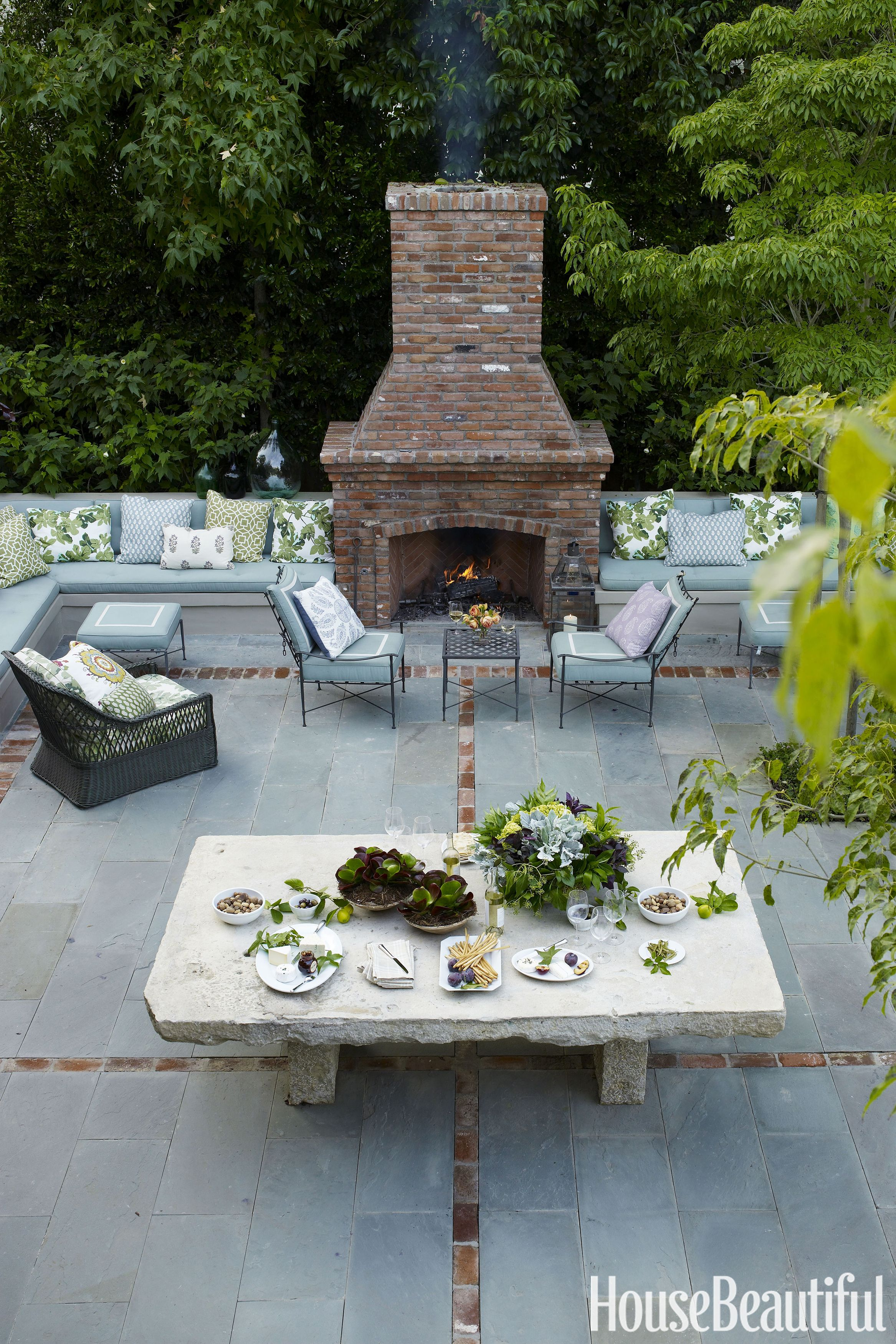 22 Outdoor Fireplaces That Will Keep You Warm All Night Outdoor inside 14 Smart Designs of How to Upgrade Backyard Fireplace Ideas