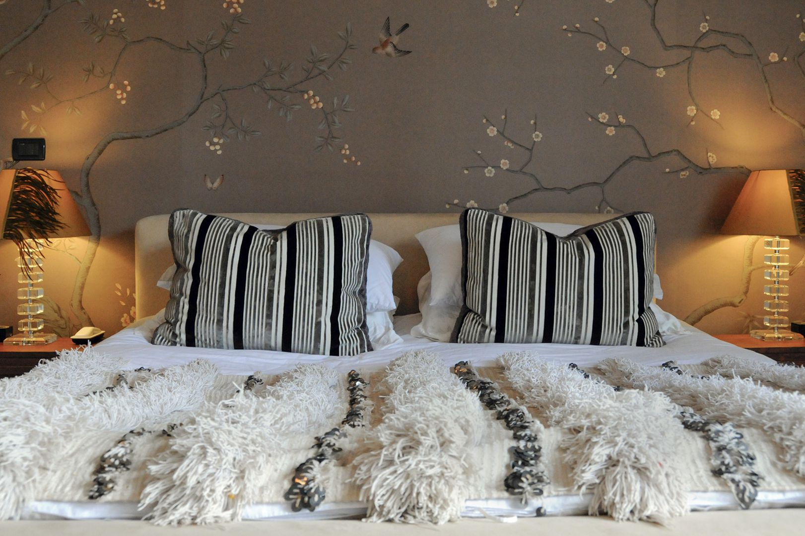 30 Beautiful Wallpapered Bedrooms intended for Modern Wallpapers For Bedrooms