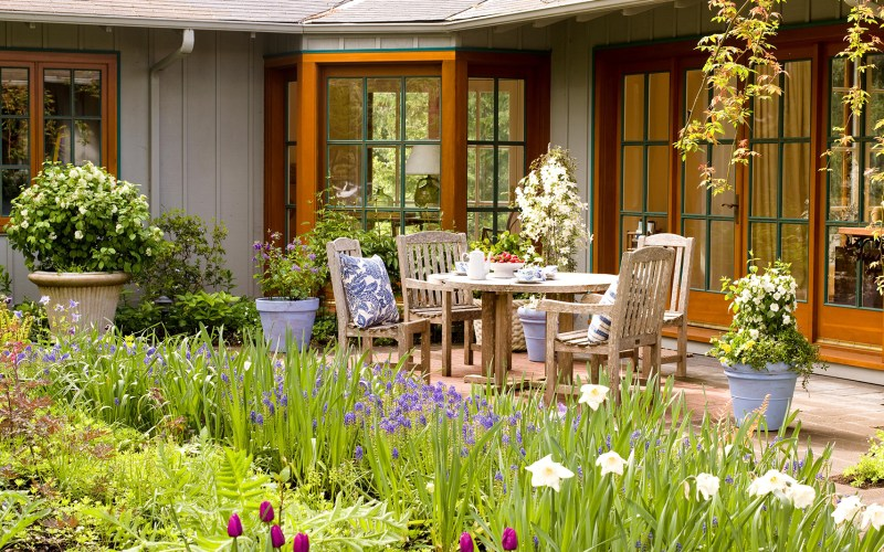 7 Landscaping Ideas For Beginners Better Homes Gardens for 12 Awesome Designs of How to Upgrade Landscaping Your Backyard