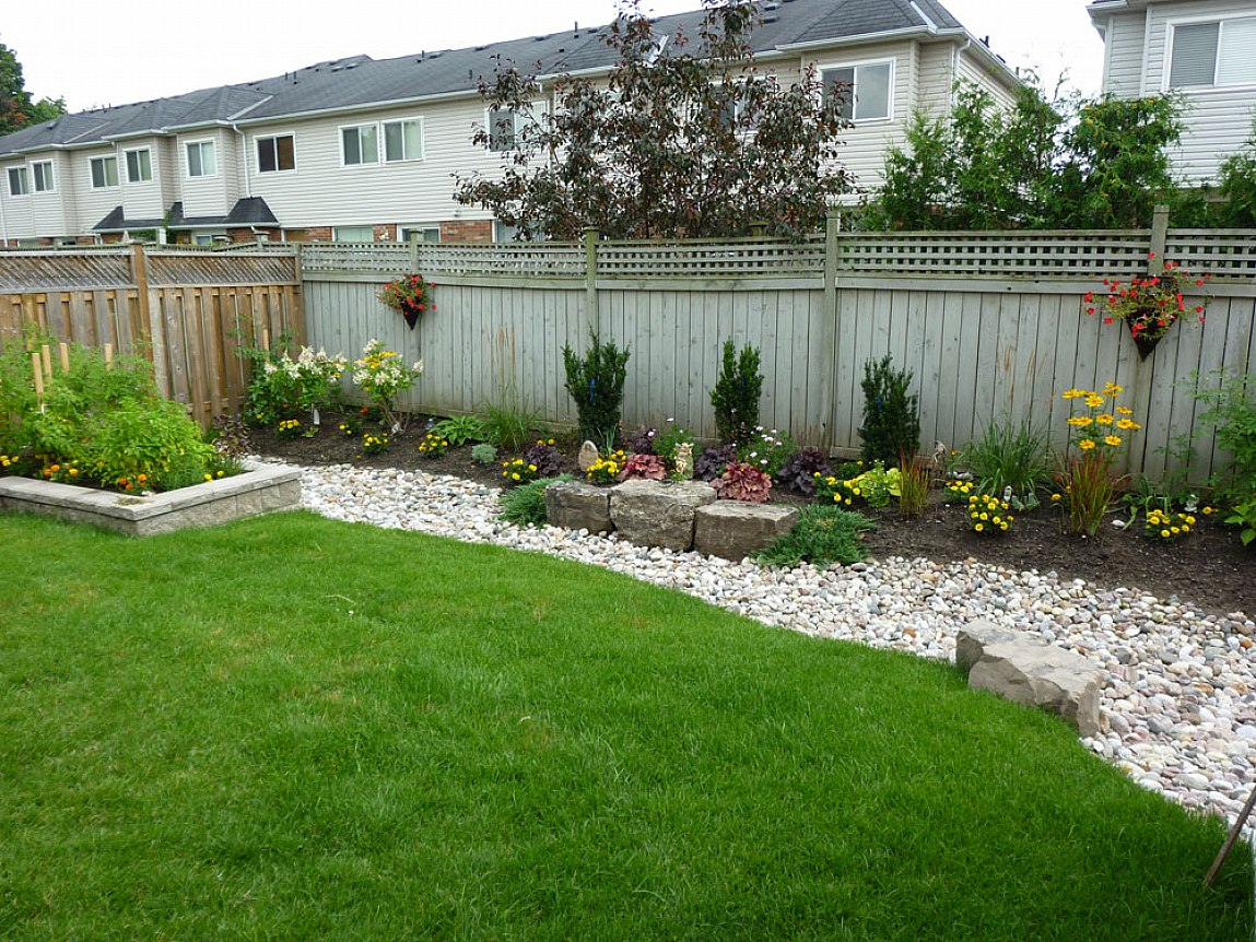 How To Make A Low Maintenance 2018 Simple Backyard Landscaping Ideas throughout 12 Some of the Coolest Ideas How to Upgrade Cheap Backyard Landscaping