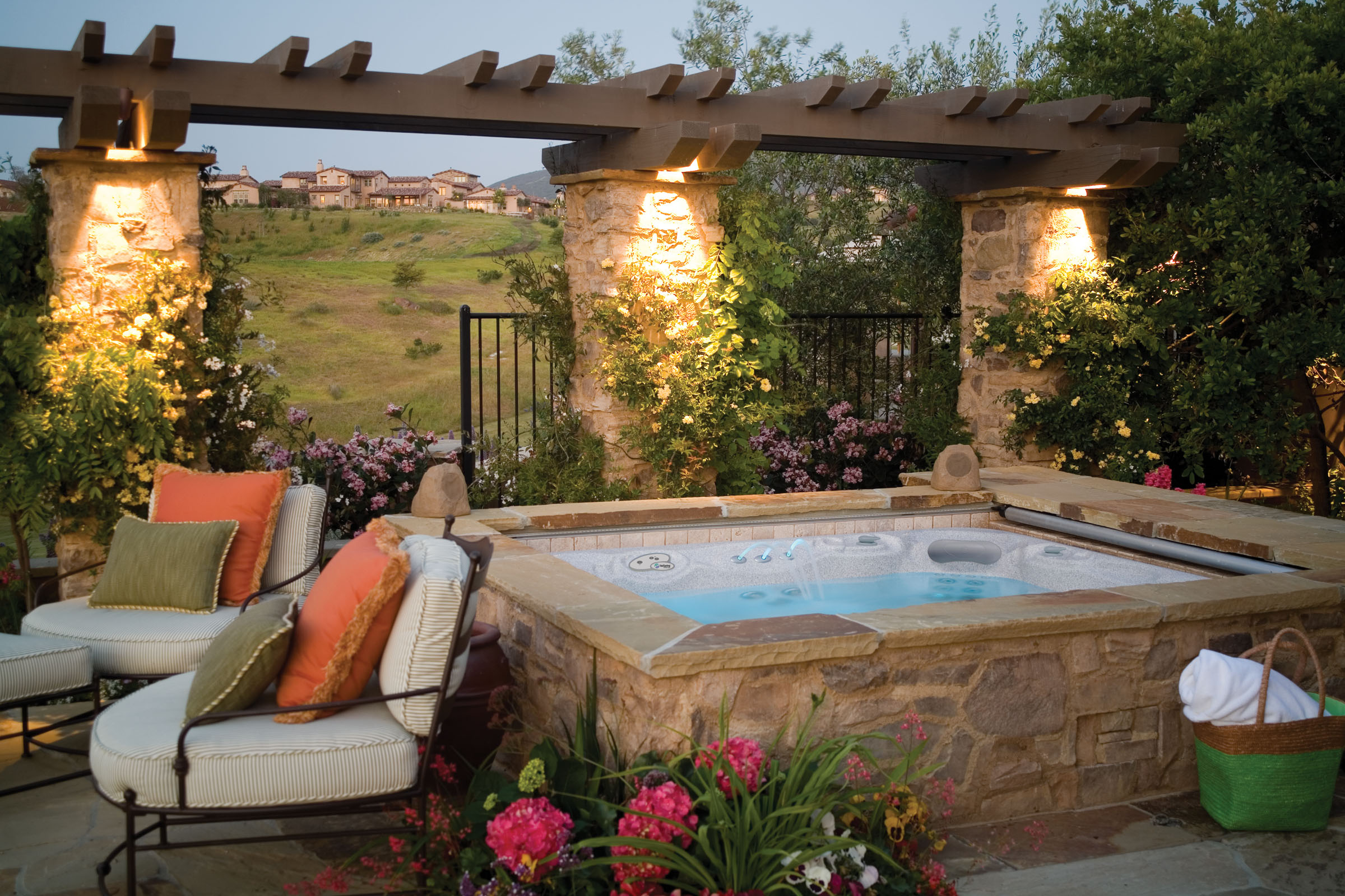 Incredible Backyard Landscaping Ideas With Jacuzzi Yentua in Backyard Ideas With Hot Tub
