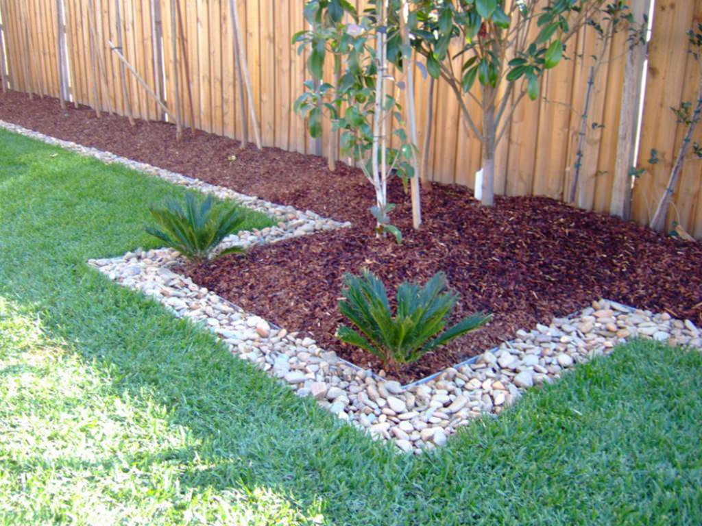 Simple Small Backyard Landscaping Ideas Inexpensive Landscaping for Inexpensive Backyard Landscaping