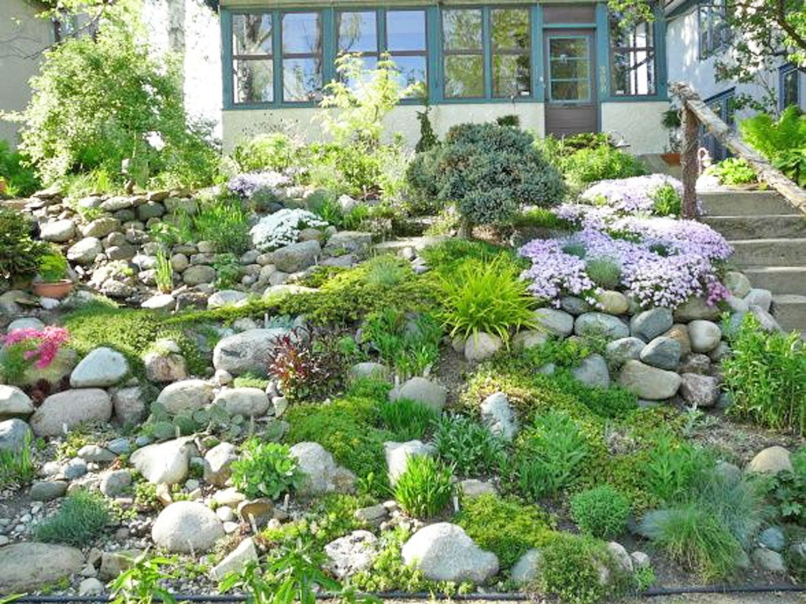 13 Hillside Landscaping Ideas To Maximize Your Yard regarding 13 Genius Ideas How to Upgrade Landscaping A Sloped Backyard