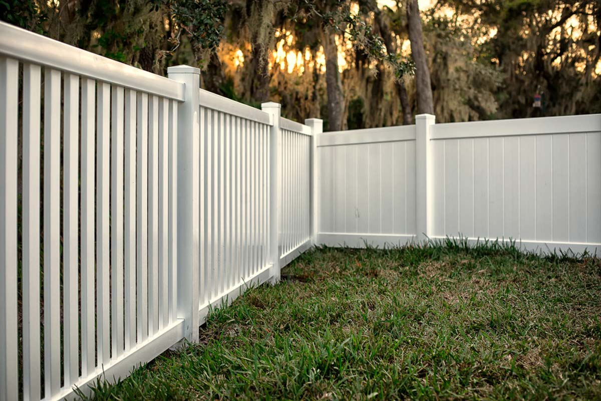 2019 Vinyl Fence Costs Pvc Installation Per Foot Prices Estimator for 11 Smart Tricks of How to Upgrade Backyard Fencing Prices