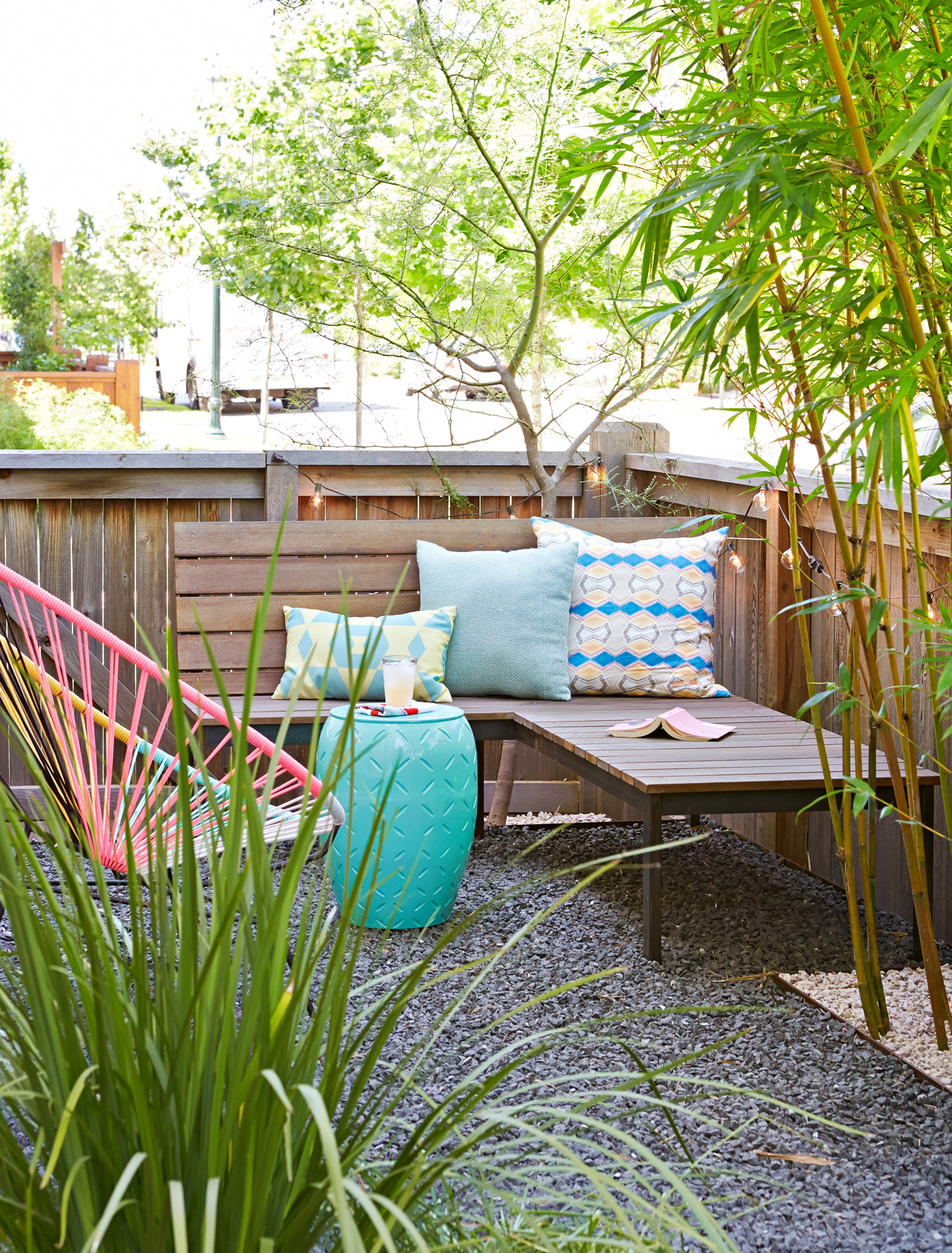 23 Inexpensive Ways To Dress Up Your Backyard within Diy Backyard Makeover Ideas
