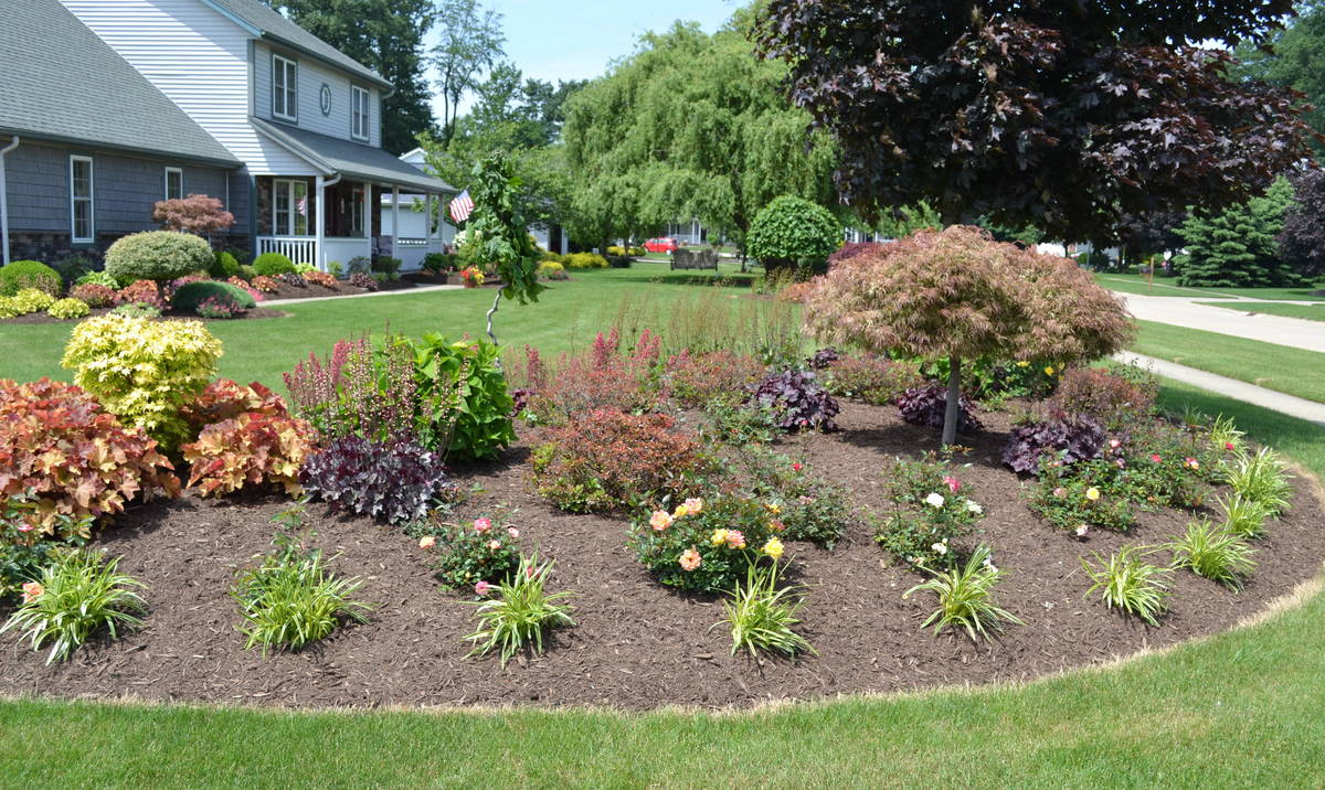 23 Landscaping Ideas With Photos Mikes Backyard Nursery regarding 12 Some of the Coolest Designs of How to Craft Plants For Backyard Landscaping