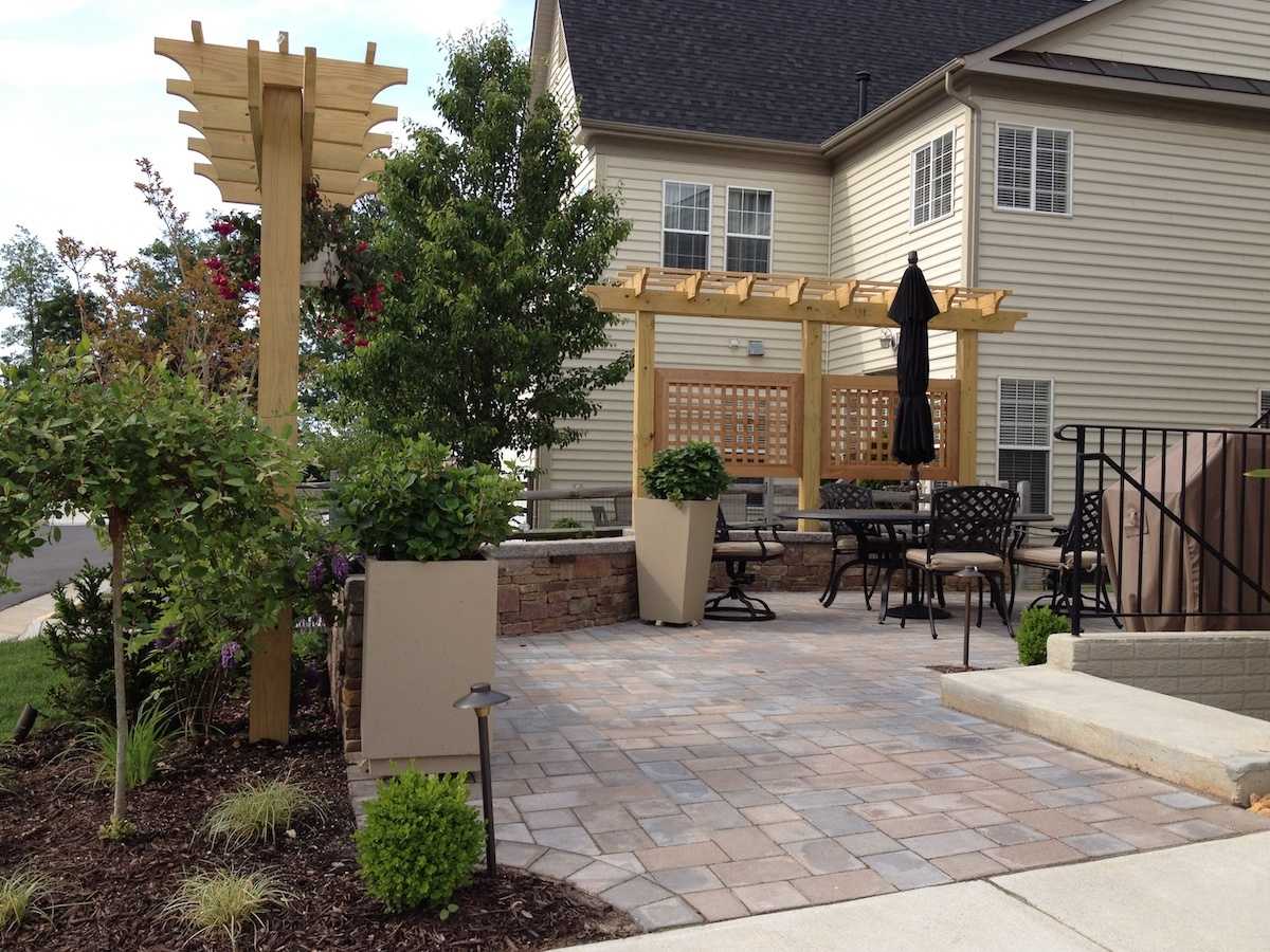 4 Privacy Screen Ideas For Backyards Of Any Size throughout 14 Awesome Initiatives of How to Craft Privacy Backyard Ideas