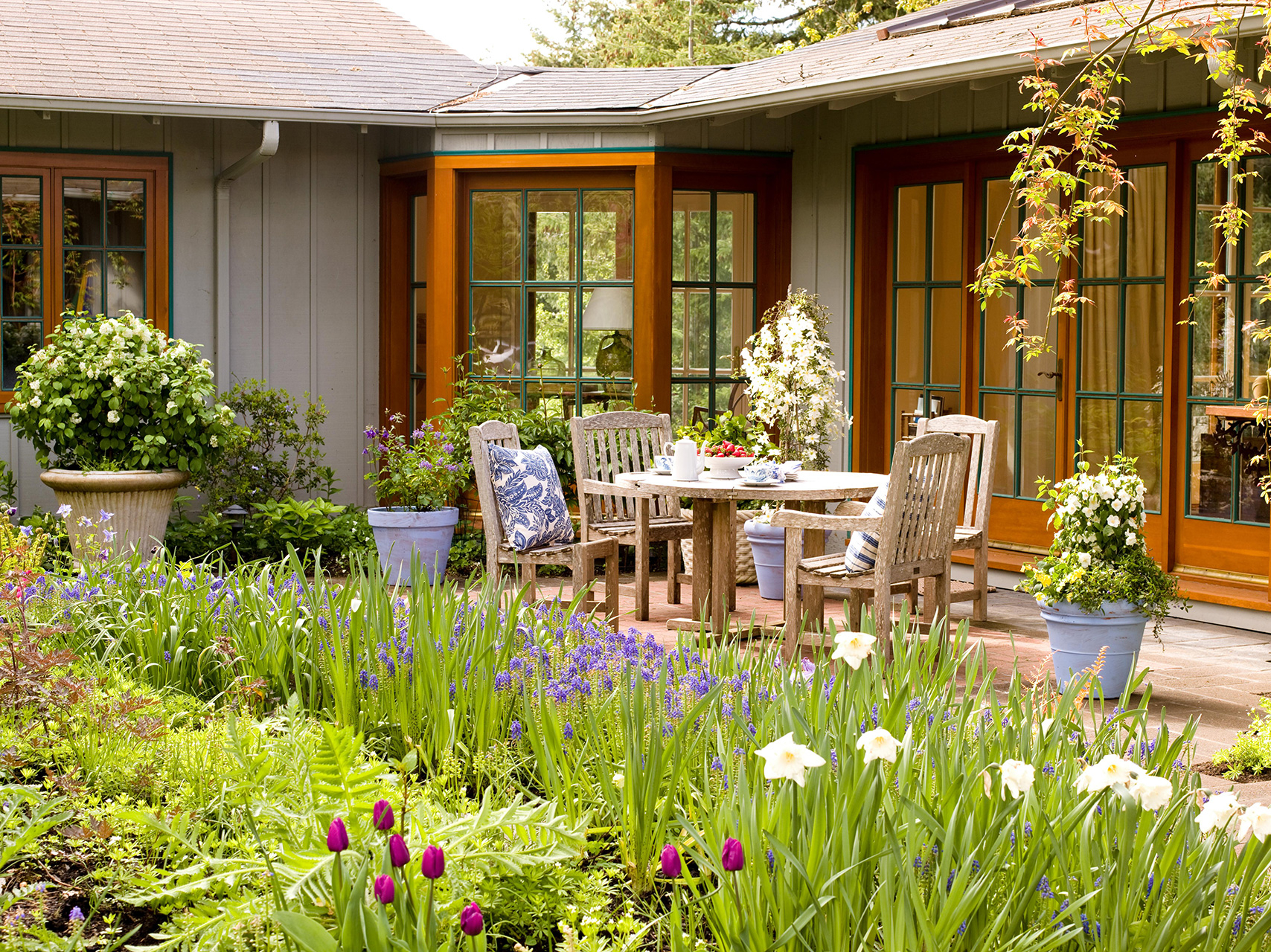 7 Landscaping Ideas For Beginners Better Homes Gardens within Plants For Backyard Landscaping