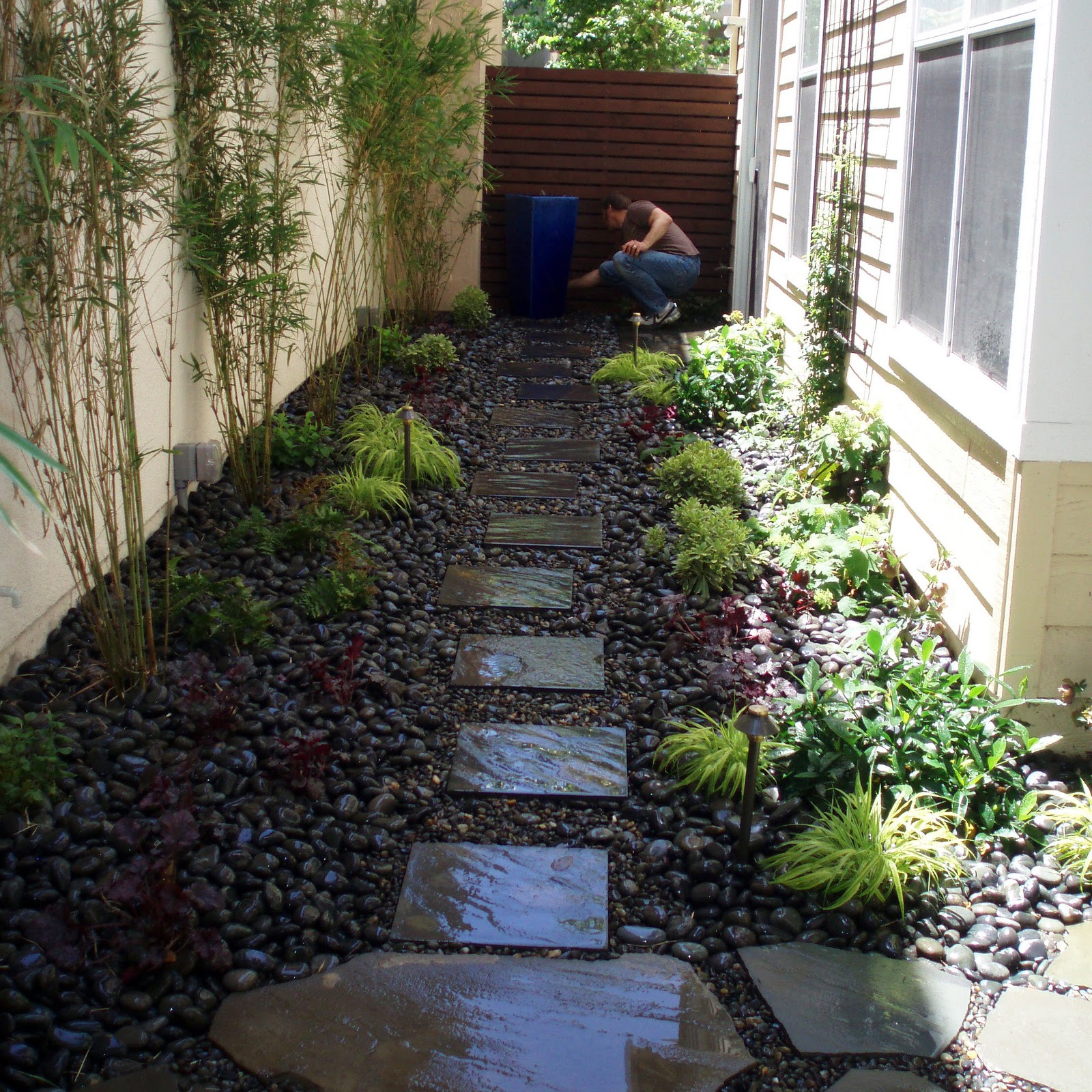Breathtaking Landscape Design Ideas For Small Front Yards with Small Narrow Backyard Ideas