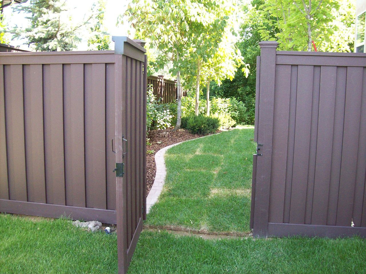 Brown Vinyl Fence Trex Fencing Trex Fencing Cost Ma within Backyard Fence Prices