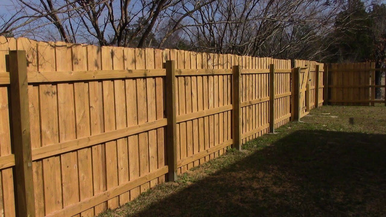 Building 70 Feet Of Wooden Fence Mm 93 regarding How To Build Backyard Fence