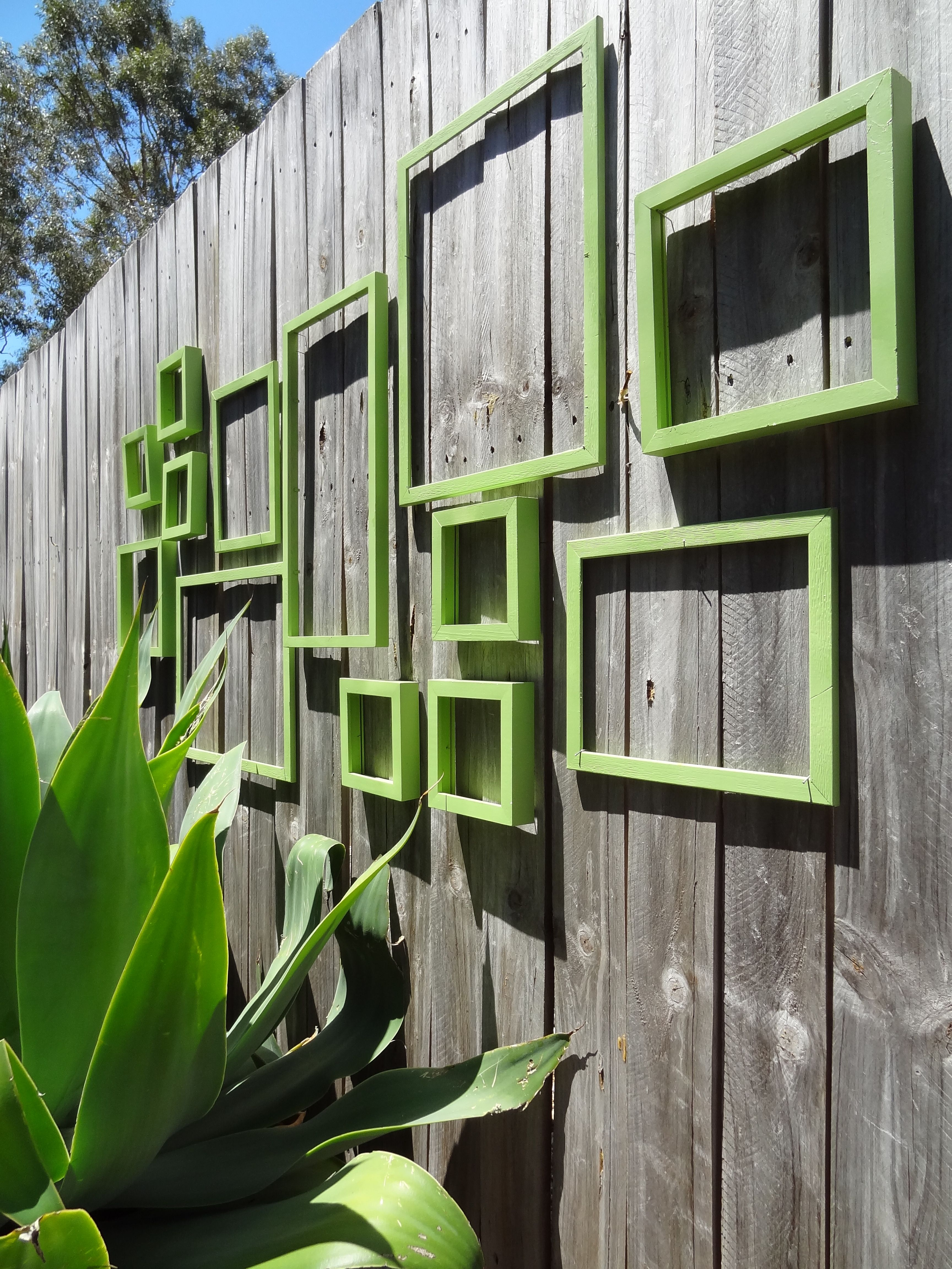 Outdoor Wall Art Frame Collage Halbwnde Garten Ideen Zaun in 16 Some of the Coolest Ideas How to Craft Backyard Wall Decor