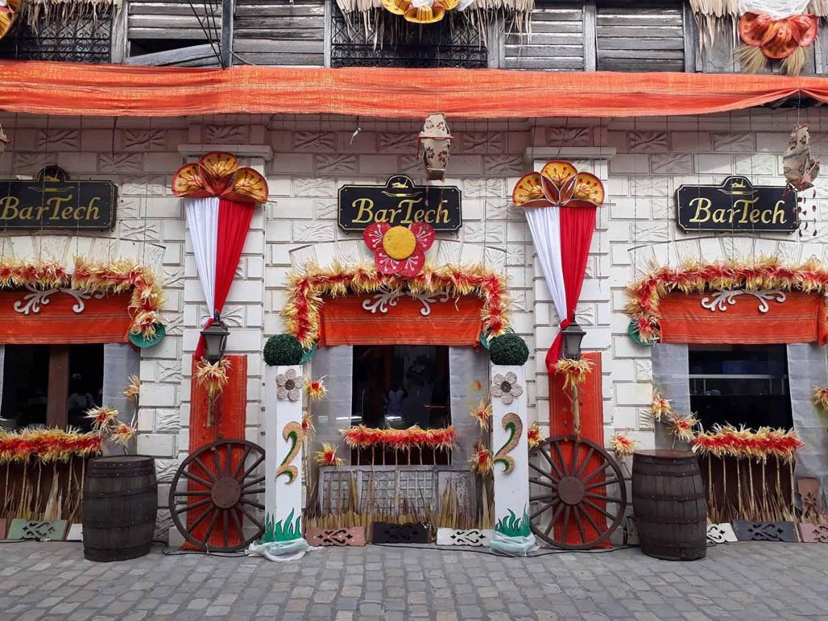Abel house decor along Crisologo St., Vigan City, Ilocos Sur (photo by Jasper Allibang Espejo)