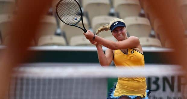 French Open: Clara Tauson defeats Jennifer Brady in opening round of women's singles