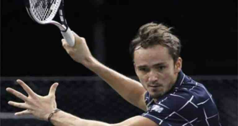 Daniil Medvedev defeats Alexander Zverev inParis Masters final to clinch his 8th ATP title