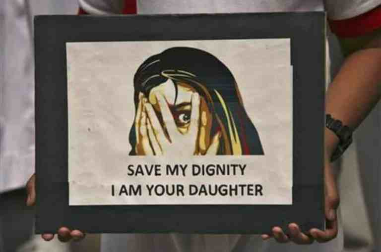 Holding Hands of Minor Girl & Opening Pants Zip Not 'Sexual Assault' Under POCSO Act But 'Sexual Harassment' Under Section 354A IPC: Bombay High Court