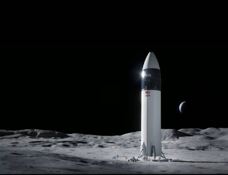 Elon Musk achieves important contract with Nasa, preparing to send humans to the moon for the first time since 1972
