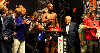 Flody Mayweather Weighing In