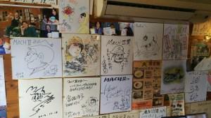ライダーズ・カフェ『マッハ3』の店内 2