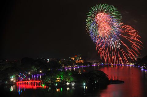 30 điểm bắn pháo hoa dịp Tết nguyên đán 2018 ở Hà Nội