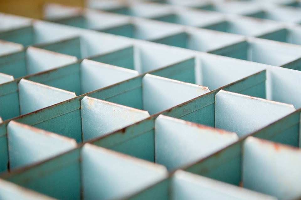 https://pixabay.com/en/storage-sort-sorting-container-1209606/