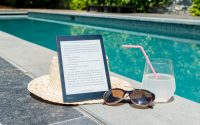 what is the best kindle for reading outside