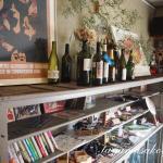 Wine shop AZURE BLUE さんで、美味しいナチュラルワインを楽しんできました。