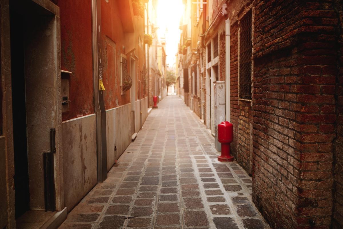 venezia-alley-1-vorher