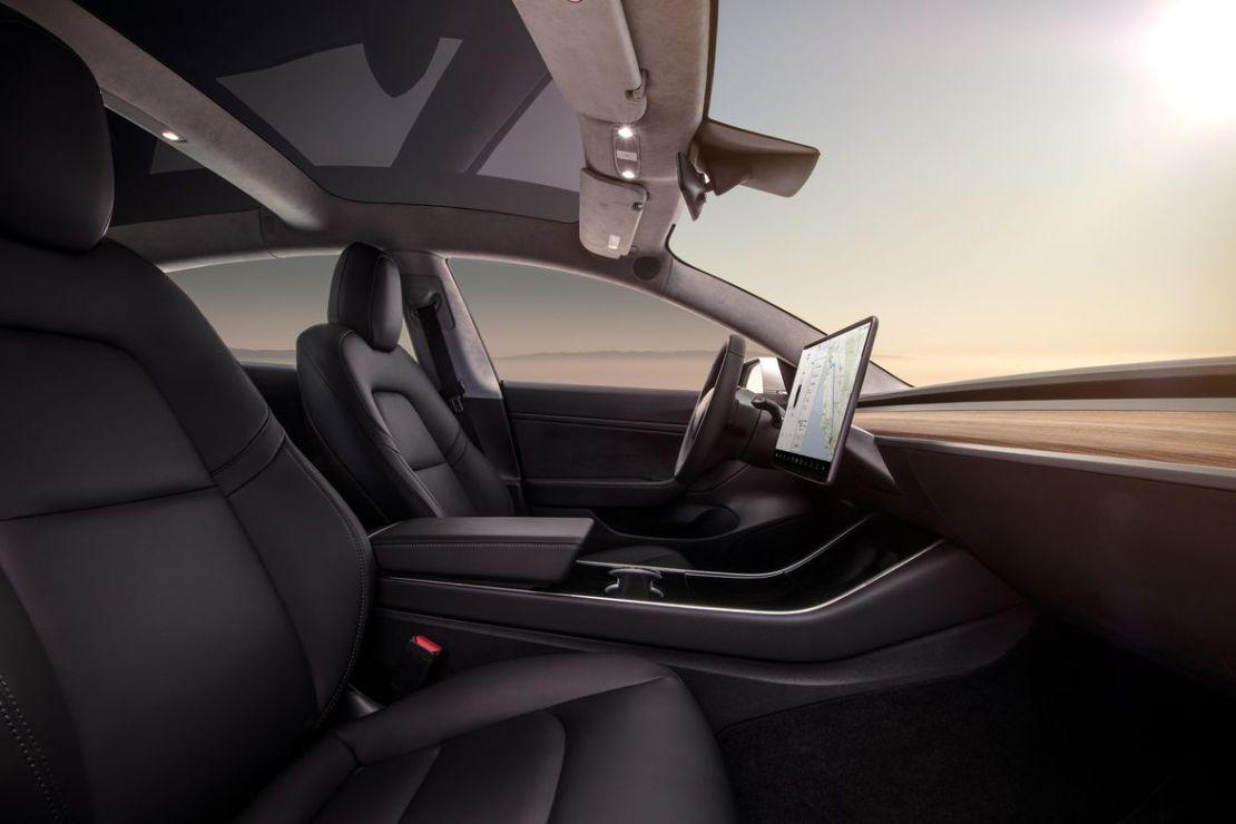 Tesla Model 3 anahtarı cep telefonunuz | Tayfunca Teknoloji